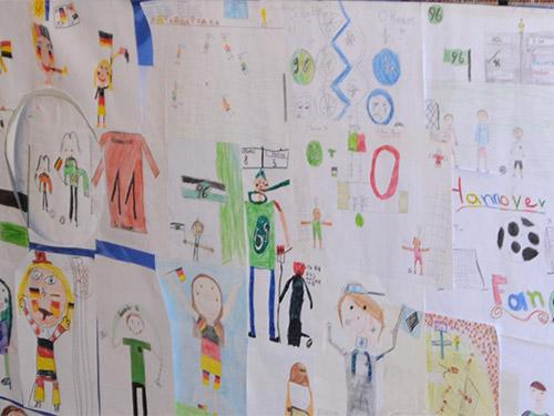Bildung-Slider-Kinderbild-Fussballmuseum-Springe
