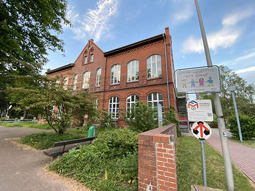 Bildung-Slider-Schule-Fussballmuseum-Springe