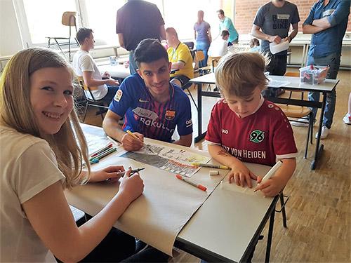 Bildung-Slider-zeichnen-Fussballmuseum-Springe