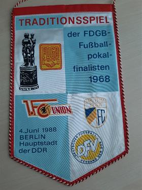 FDGB-Wimpel-fussballmuseum-springe